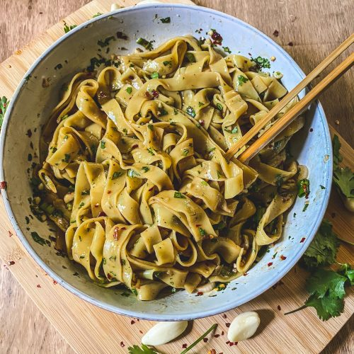 Easy garlic chili oil noodles