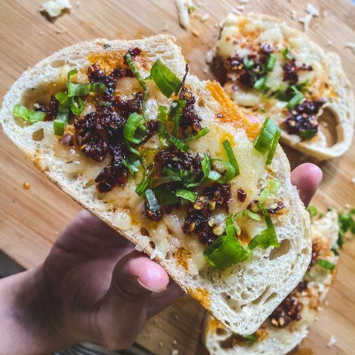 chili oil cheese bread