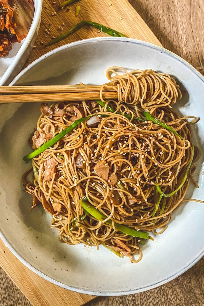 Easy Chow Mein (10 Minutes)
